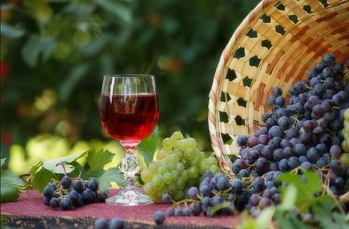 Как приготовить вино из винограда