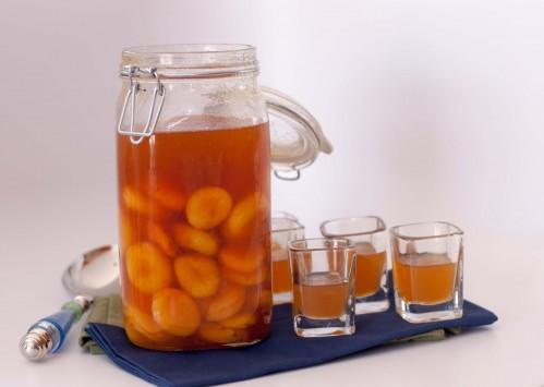 Классическая абрикосовая наливка