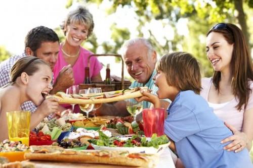 Пикник: вкусная еда плюс веселье!